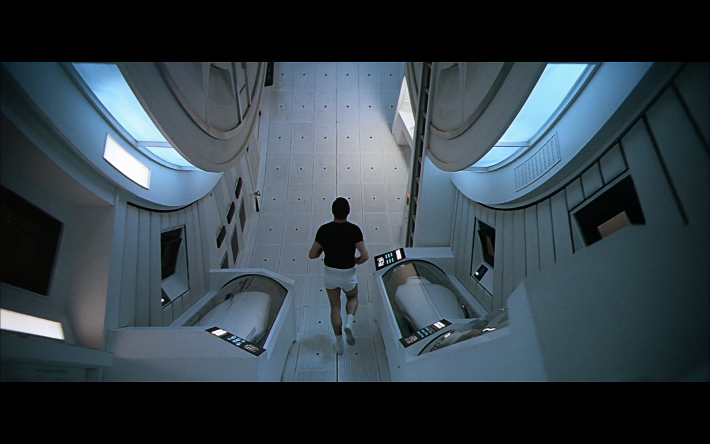 2001 Space Odyssey Cinematography-285