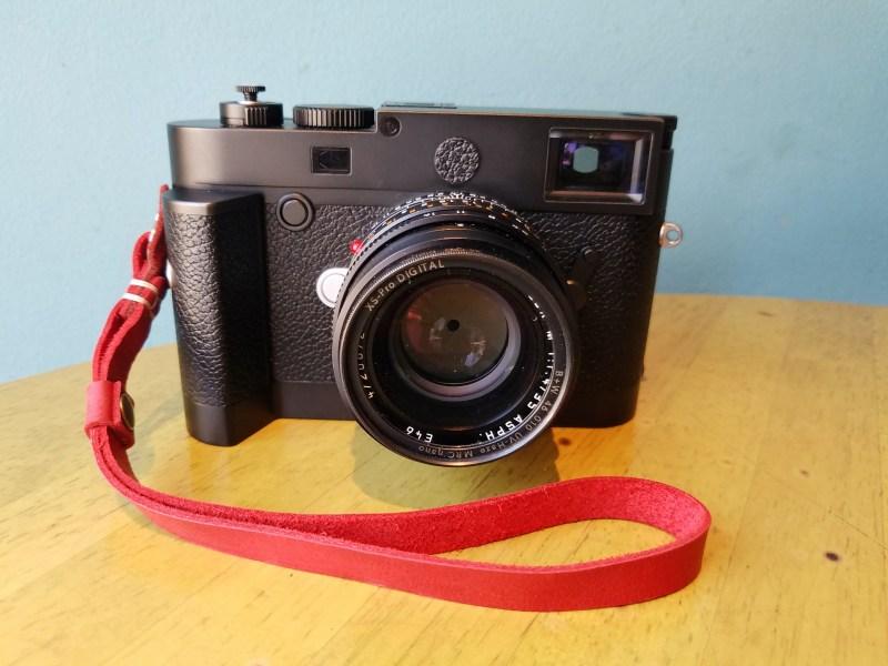 Leica m10 + Henri Wrist Strap Crimson Red (by Luis Casadevall)