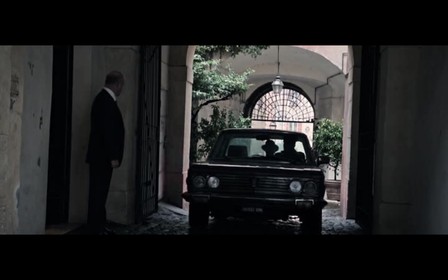 all the money in the world cinematography--9