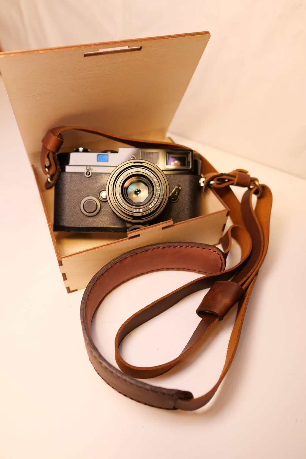 Henri Shoulder Strap (CREMA BROWN) on Leica MP, with Wooden Serpent box (Leica not included)