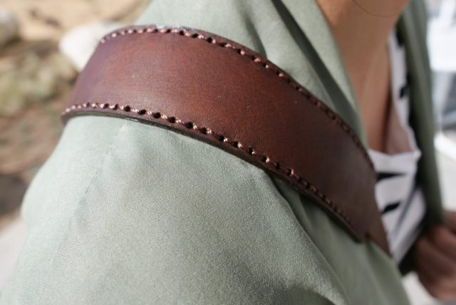 Closeup of Henri Shoulder Strap worn around your shoulder (Cindy as model)