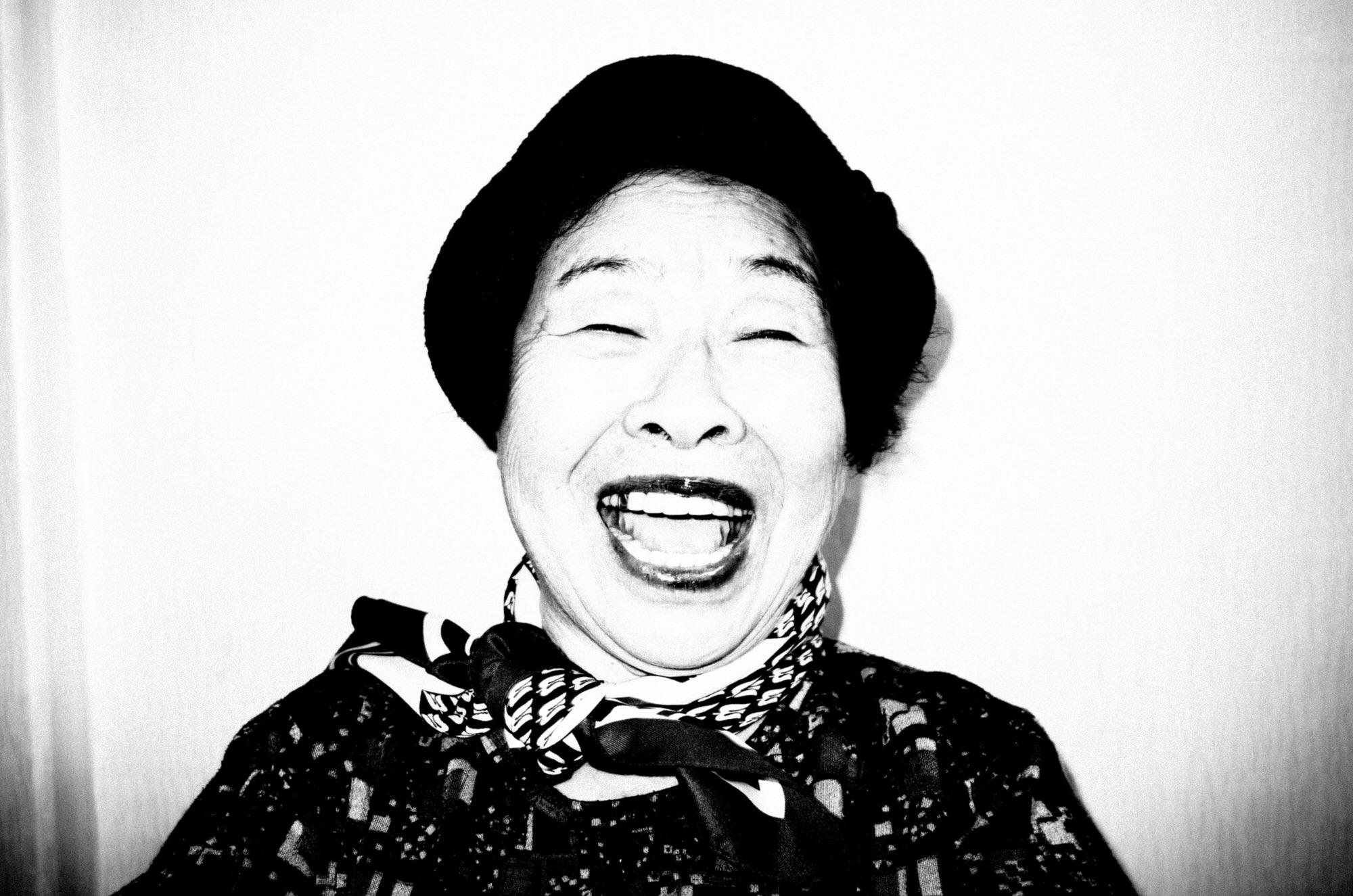 eric kim photography black and white - halmunee-grandma-eric kim photography seoul-0003562-2