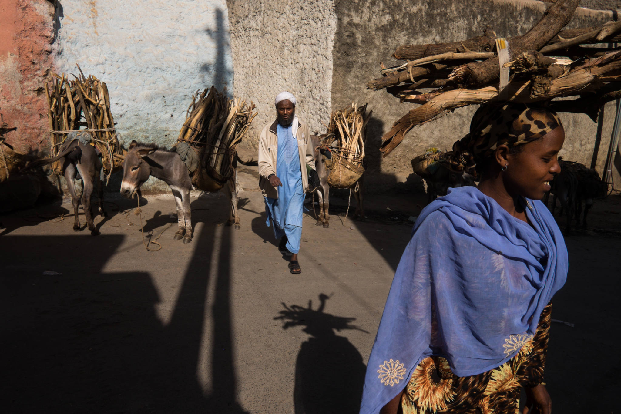 Ethiopia by Yves Vernin street photography color 34