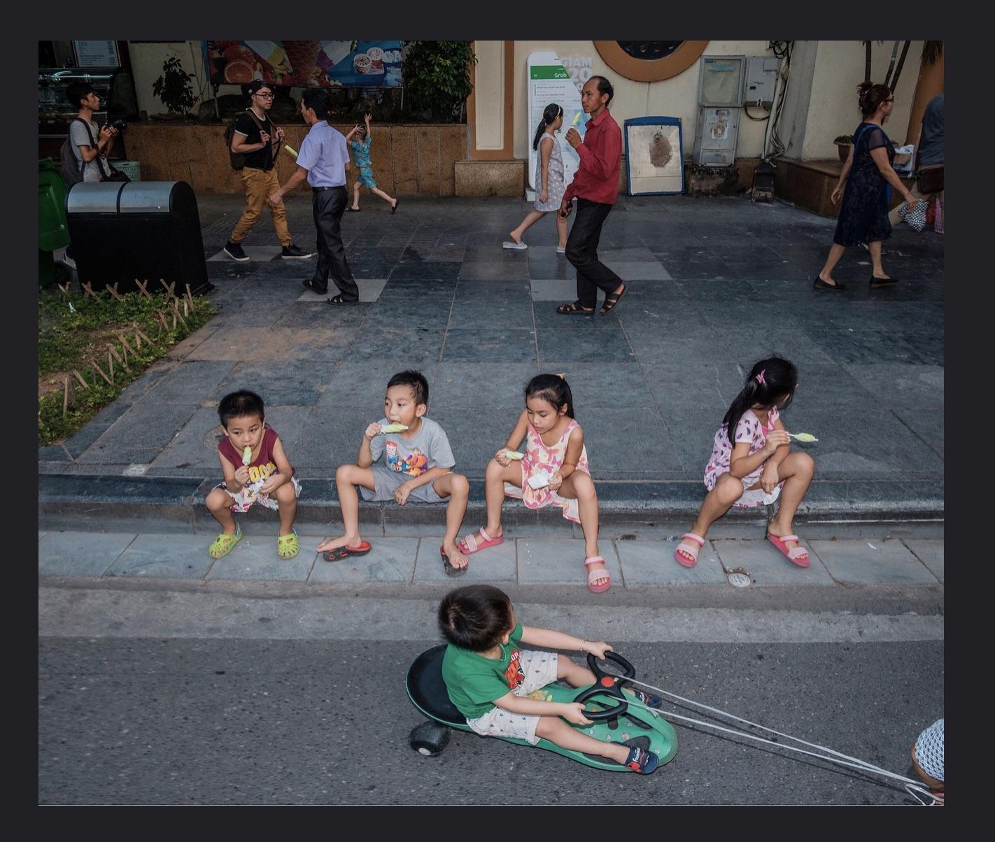 chu viet ha street photography 4-resized