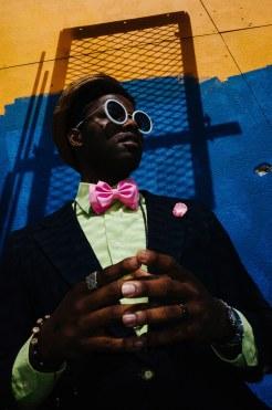 eric kim street photography - color - portrait-hands-new orleans-10-1