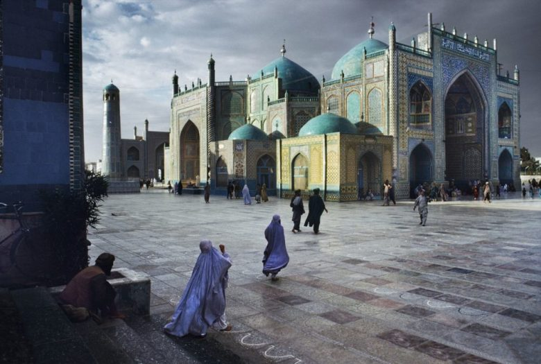 AFGHANISTAN. Mazar-i-Sharif. 1992. Hazrat Ali mosque.