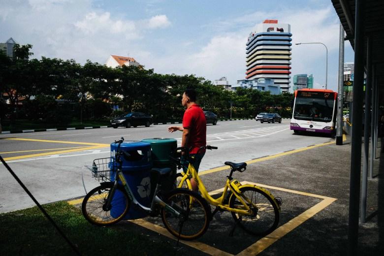eric kim - singapore street photography - color - 28mm - leica m10-9