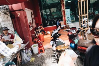 eric kim street photography vietnam - saigon - street photography - lumix-1128741