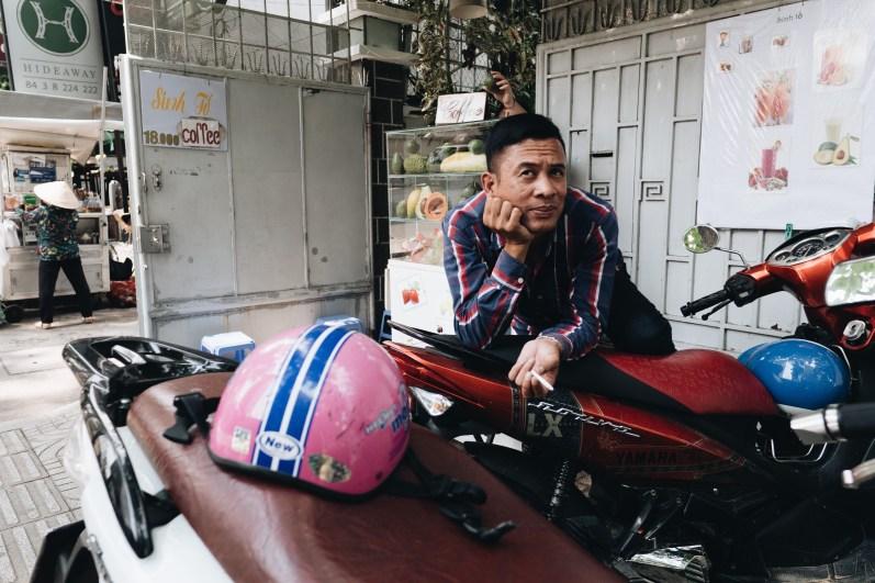 eric kim street photography vietnam - saigon - street photography - lumix-1128913