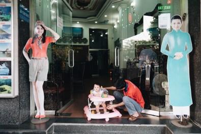 eric kim street photography vietnam - saigon - street photography - lumix-1129324