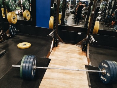 gym deadlifts