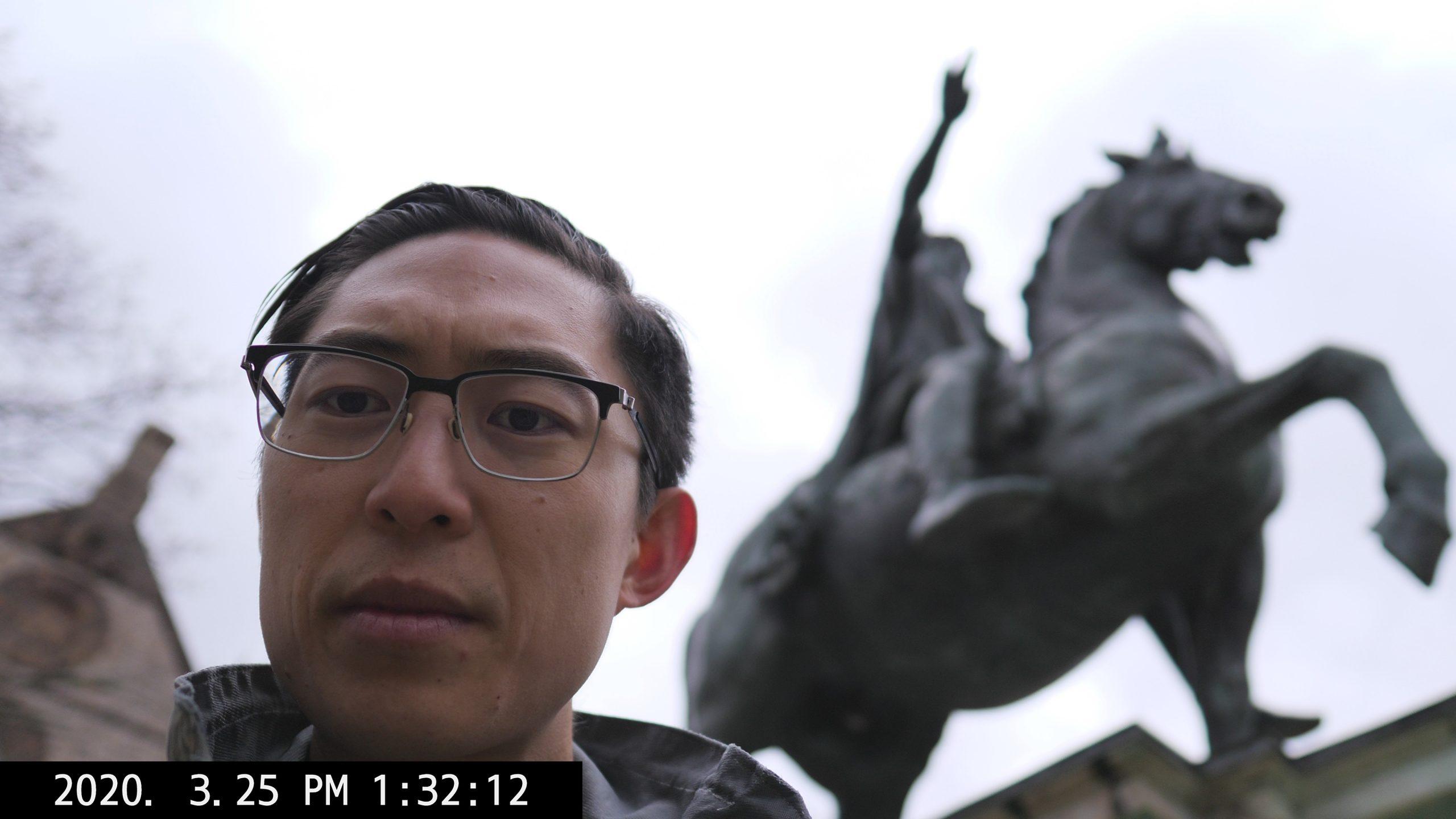 P1449347 marcus aurelius 1 statue ERIC KIM kim selfie
