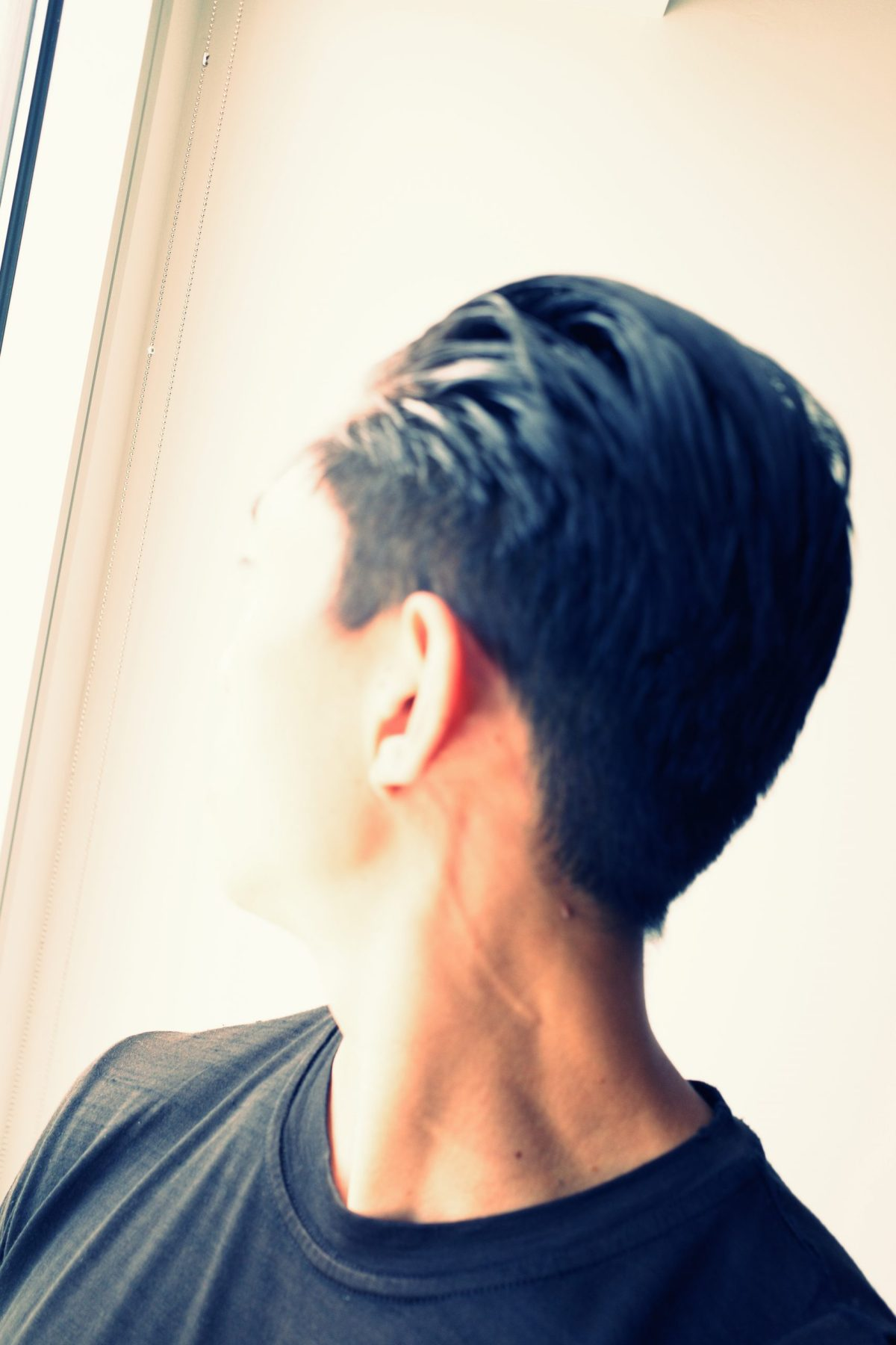 selfie back head ERIC KIM