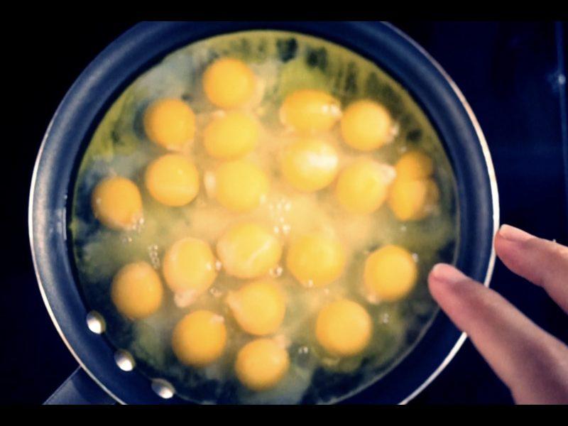 ERIC KIM eggs
