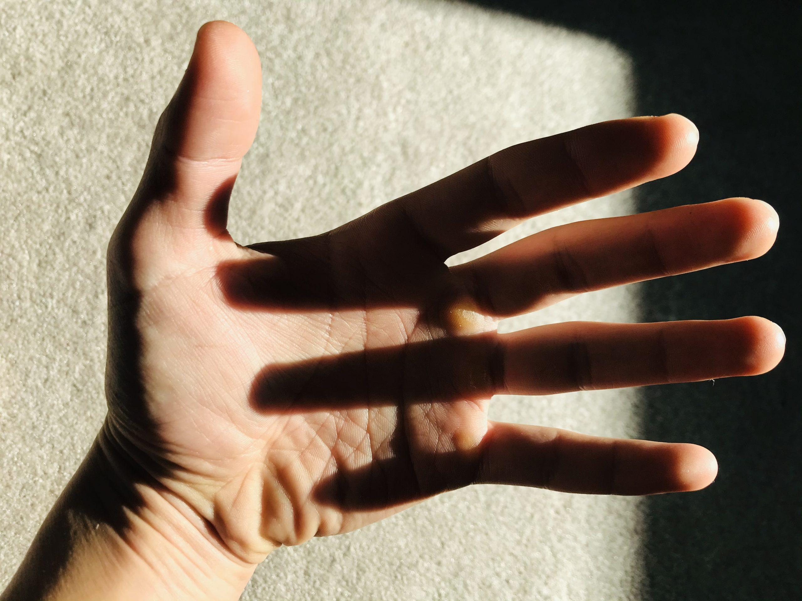 Hand vibrant iPad filter ERIC KIM