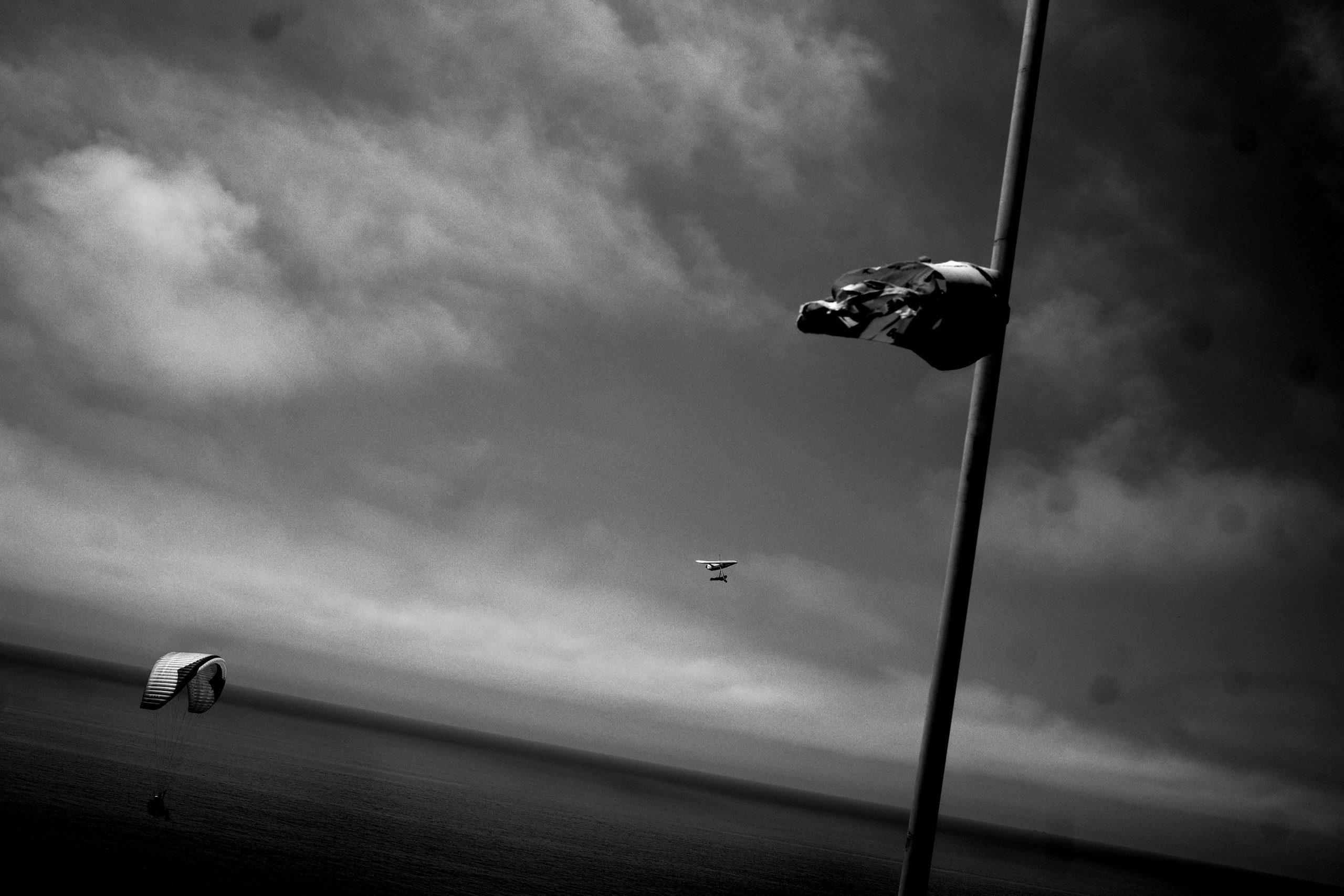 layers street photography para gliding flight