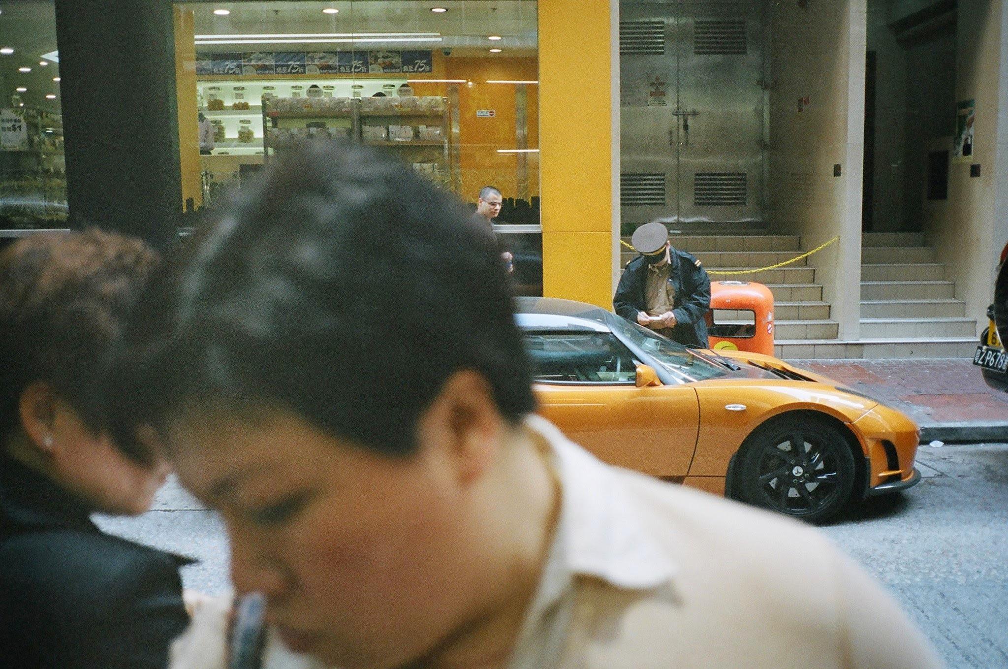 layers street photography Hong Kong mclaren PORTRA 400 by ERIC KIM 4
