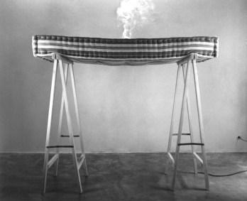 © Eric Le Maire, matelas, fumée, hypnose
