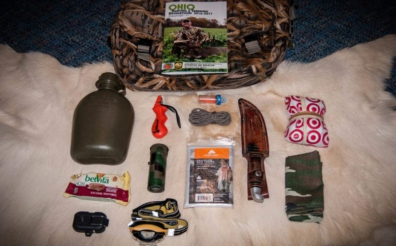 WOODS CARRY: WHAT GEAR TO BRING WITH YOU INTO THE WILDS