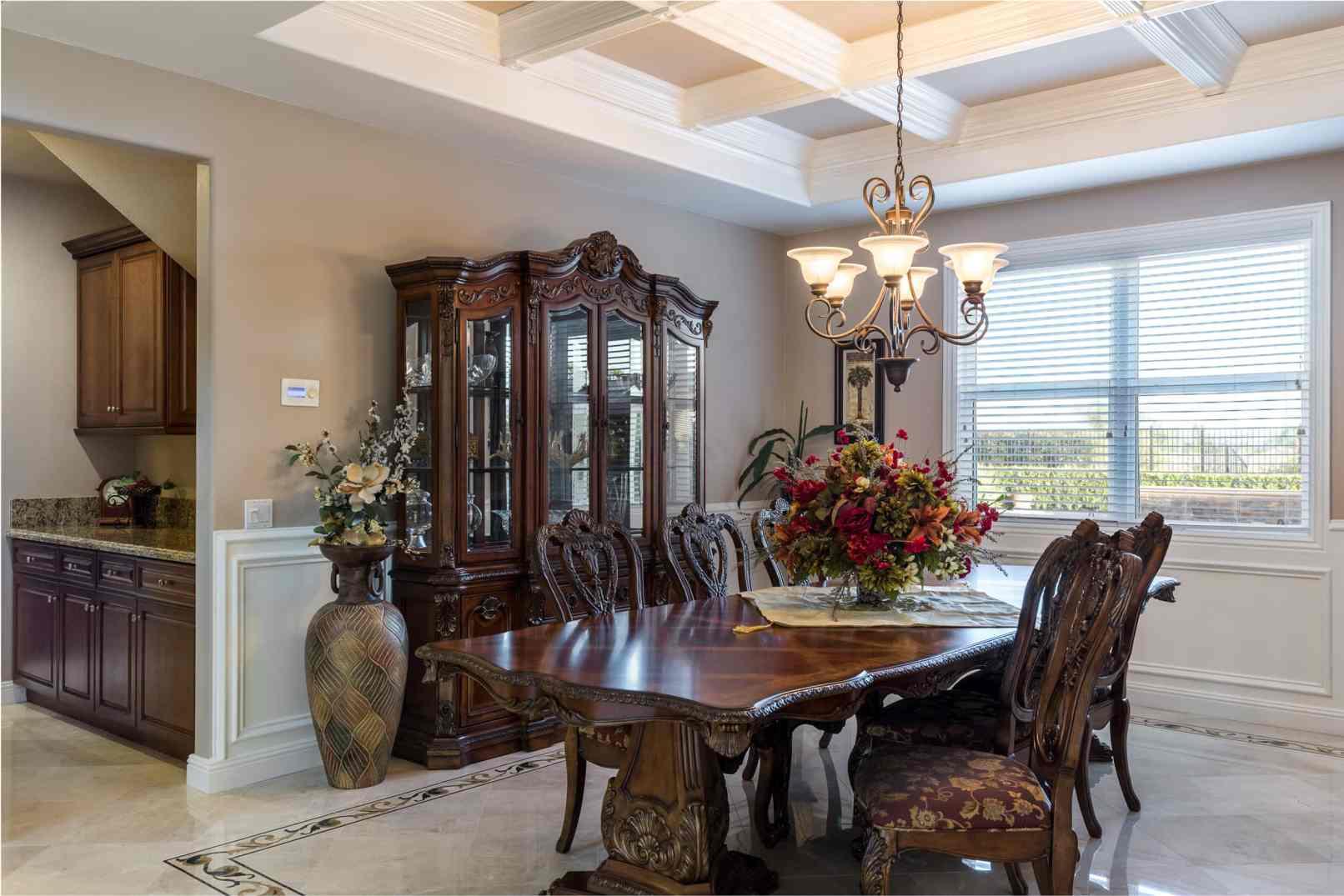 https://i1.wp.com/ericnortonphotography.com/wp-content/uploads/2016/08/Yorba-Linda-Orange-County-Real-Estate-Photography-Dining-Room.jpg?fit=1612%2C1075&ssl=1