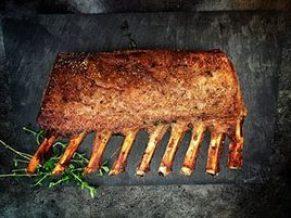 Découvrez la recette du carré d'agneau grillé pour votre repas de pâques