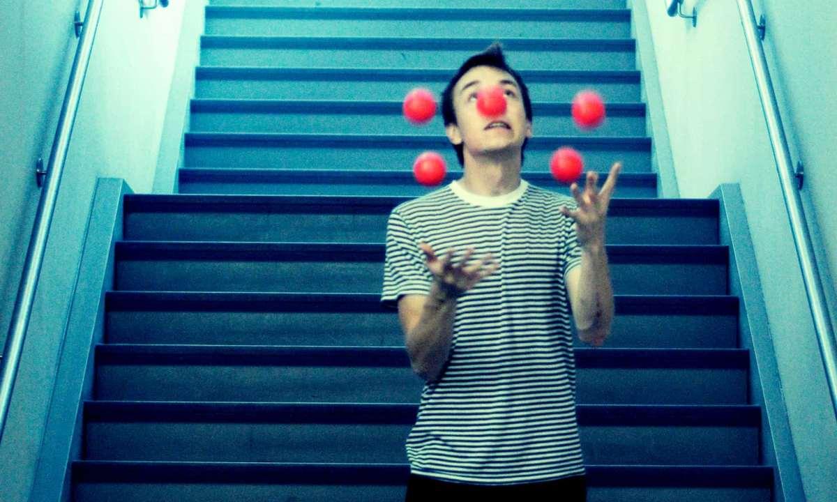 Juggling Five Balls
