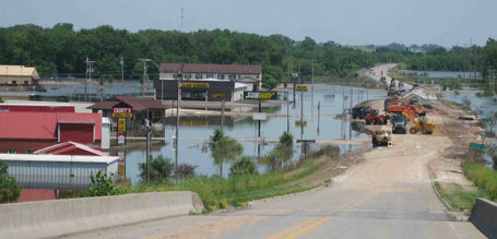 Columbus Junction Iowa flood clean up and recovery photograph 2008