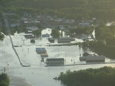 Columbus Junction Iowa floods after levee fails due to high water levels in the cedar and iowa rivers