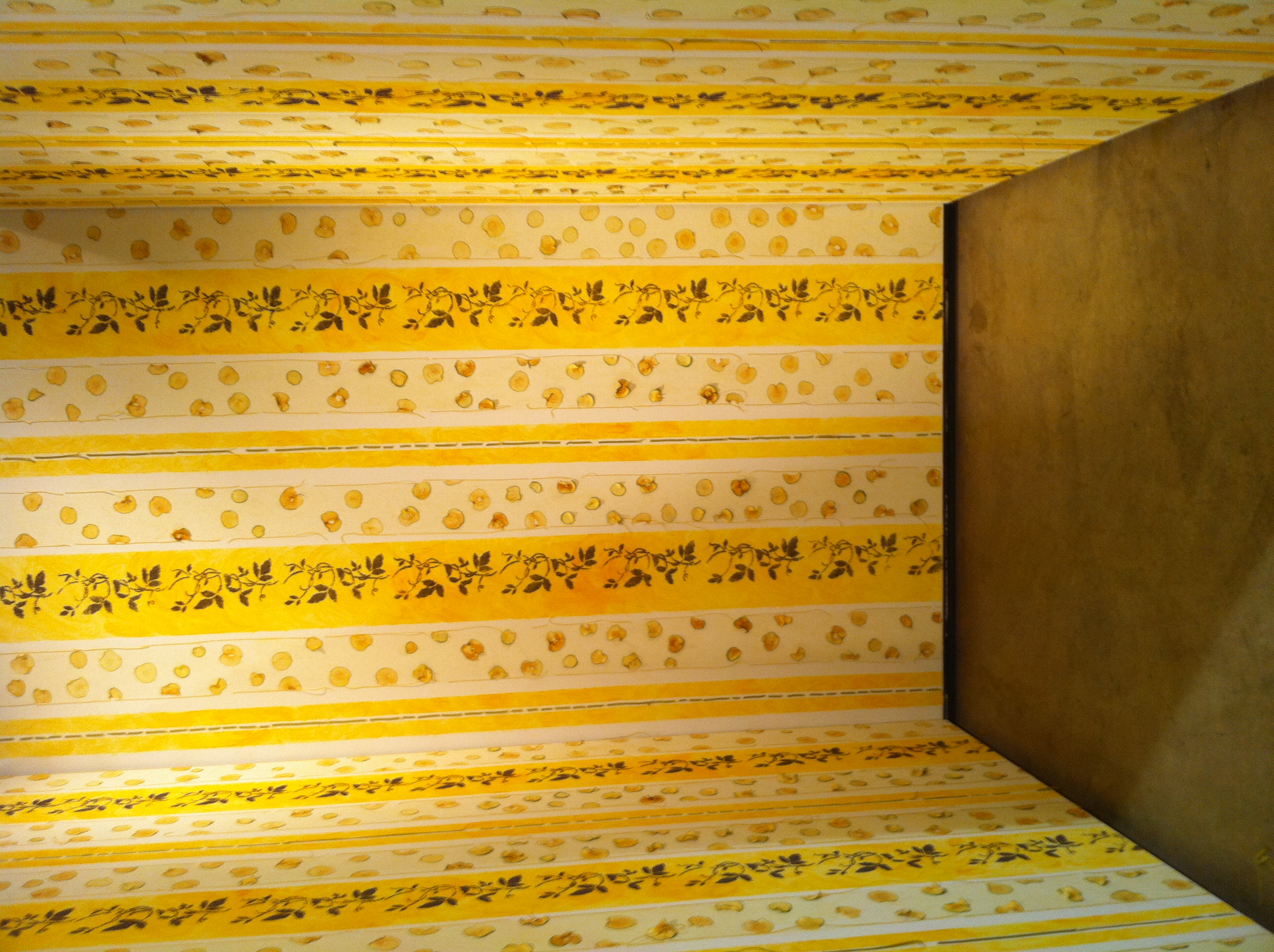 "analysis of the yellow wallpaper 1 An analysis of the ending of ""the yellow wallpaper"" 21 gilman's employment of gothic conventions: the setting as a letter of indication for the narrator's breakdown 22 the cause for the narrator's mental derangement 221 the author's intention: charlotte perkins gilman's purpose in writing ""the yellow wallpaper 222."