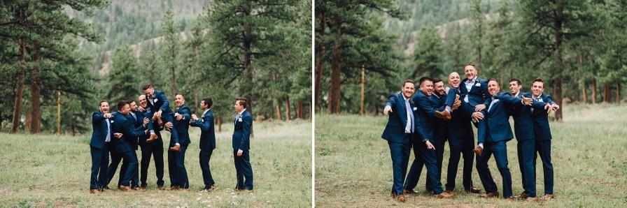 groomsmen photos