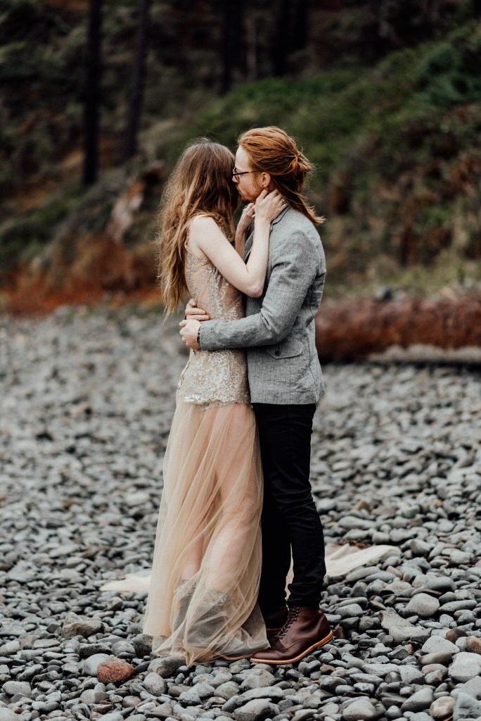 Oregon beach elopement in November