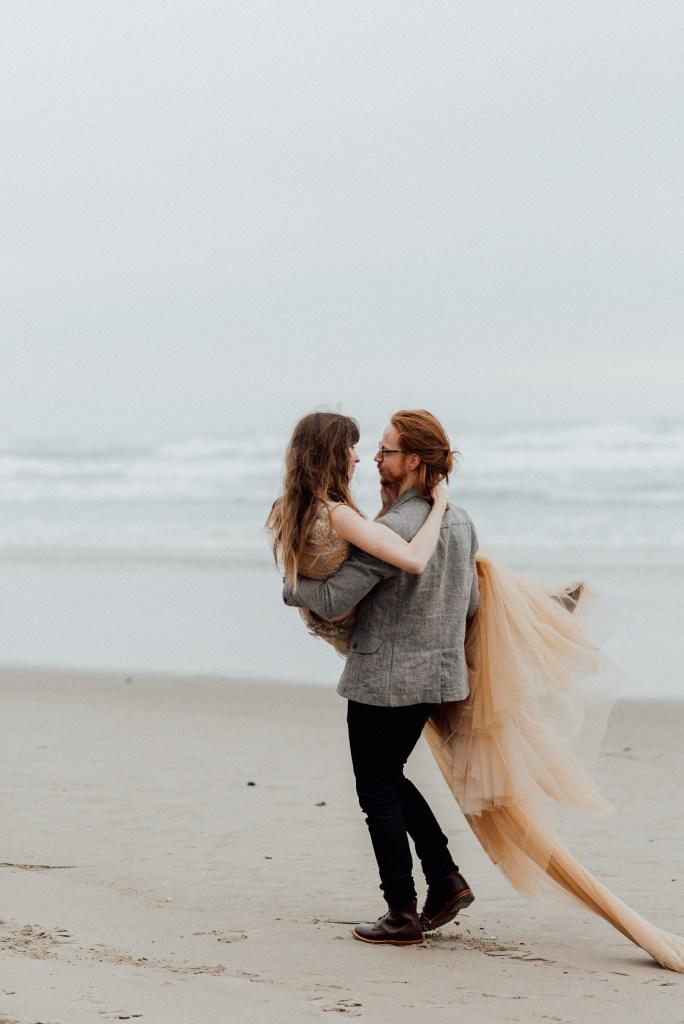 Oregon beach elopements