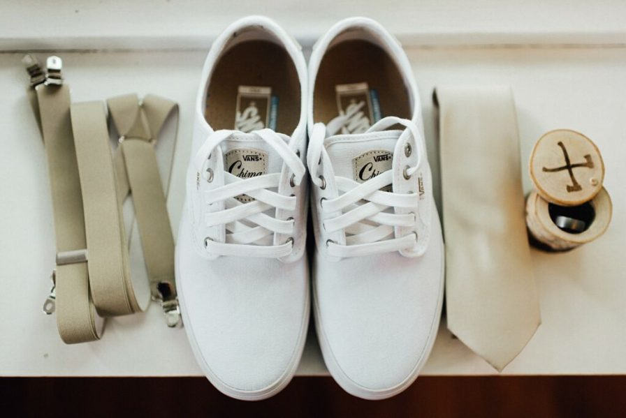 Groom shoes and details
