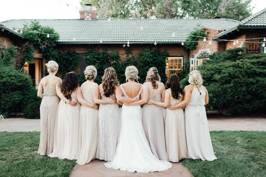 Bride and bridesmaids photo ideas, bridesmaid photo ideas, blush bridesmaid dresses, champagne bridesmaid dresses, blush bridesmaids dresses, bridesmaid dress ideas, bridesmaid hair ideas, bridesmaid hairstyles