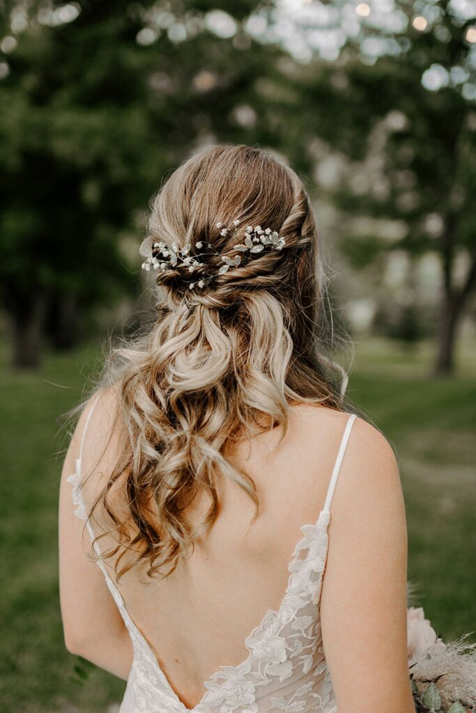 wedding hair with babies breath
