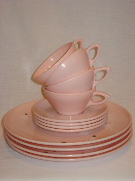 Watertown Lifetime Ware Melamine Dishes - Don't the stacked cups remind you of a Dr. Seuss story?