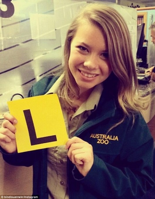 25596d5300000578-2940480-16_and_not_ready_to_mingle_bindi_irwin_has_confessed_to_people_m-a-50_1423112035205