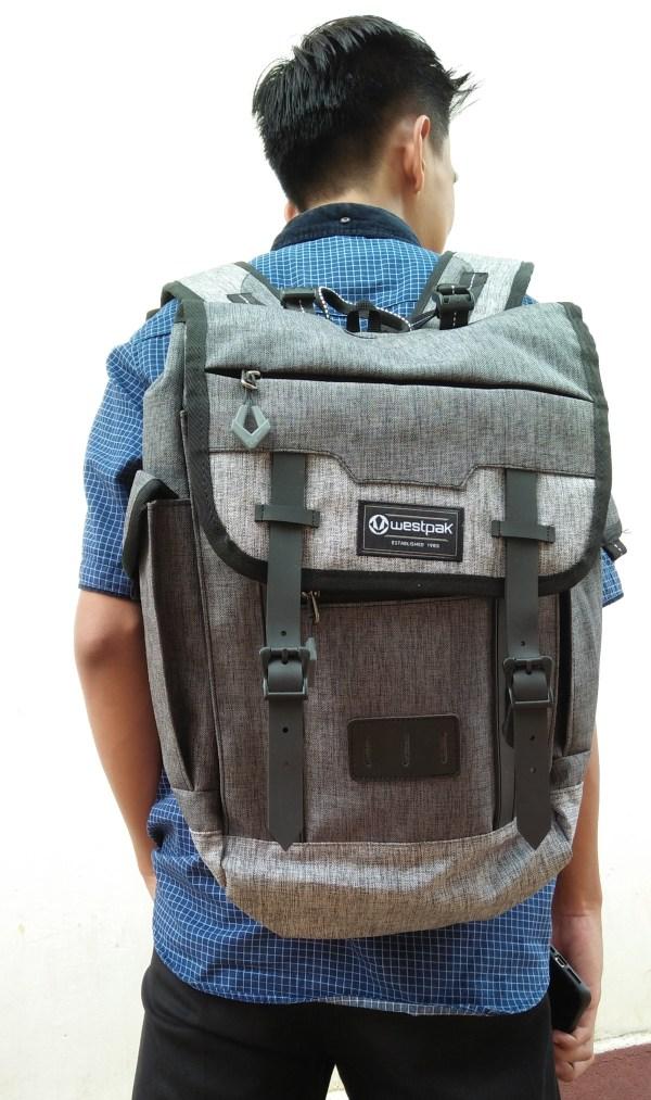 Westpac Beage, tas dengan design modern dan elegan. tersedia beberapa warana, cocok untuk mahasiswa, pelajar dan wisatawan