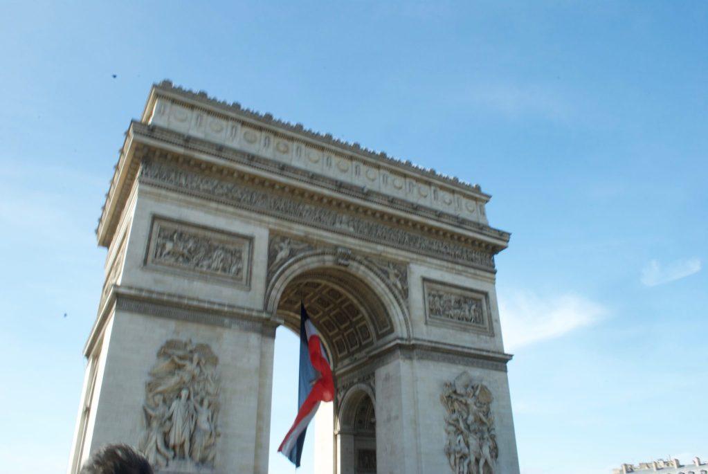 paris with kids – arc de triomphe