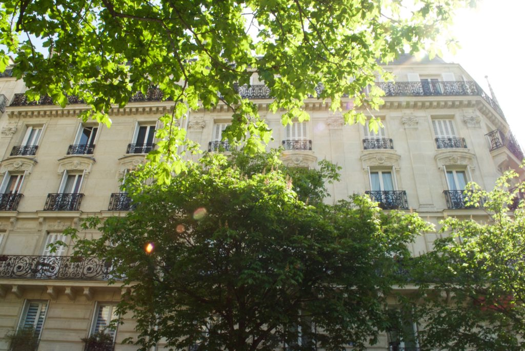 paris with kids - balconies