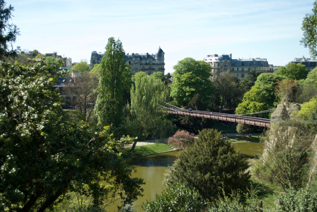 paris with kids - parc des buttes chaumont