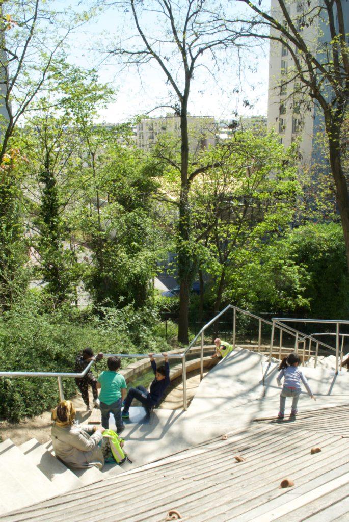 paris with kids - parc de belleville playground