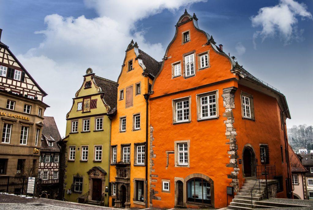 Schwäbisch Hall colourful buildings marktplatz