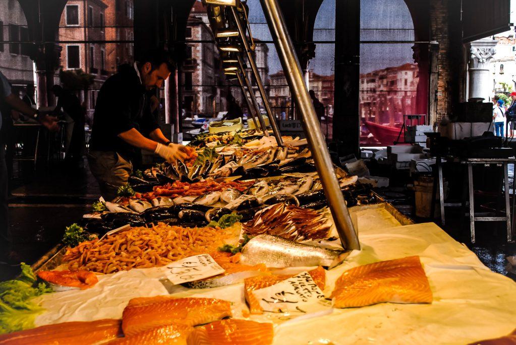 venice-rialto-fish-market