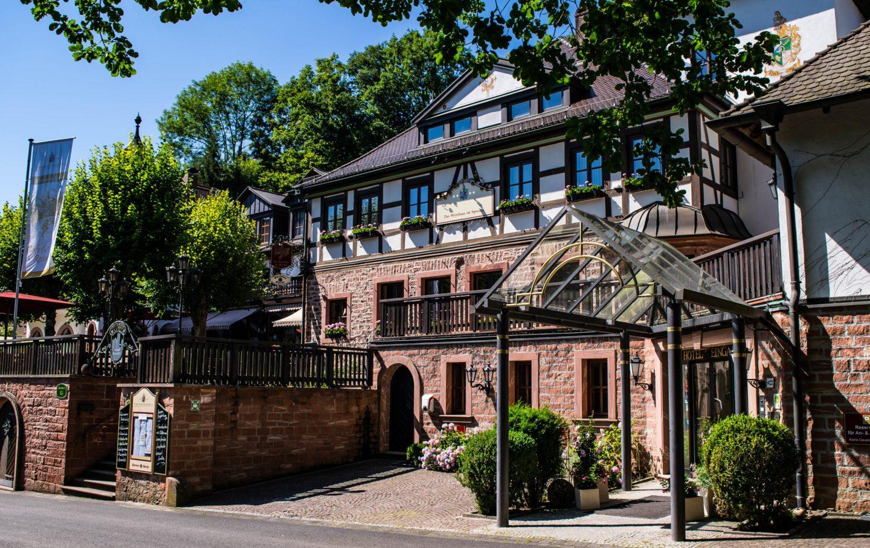 Schloss Mespelbrunn hotel