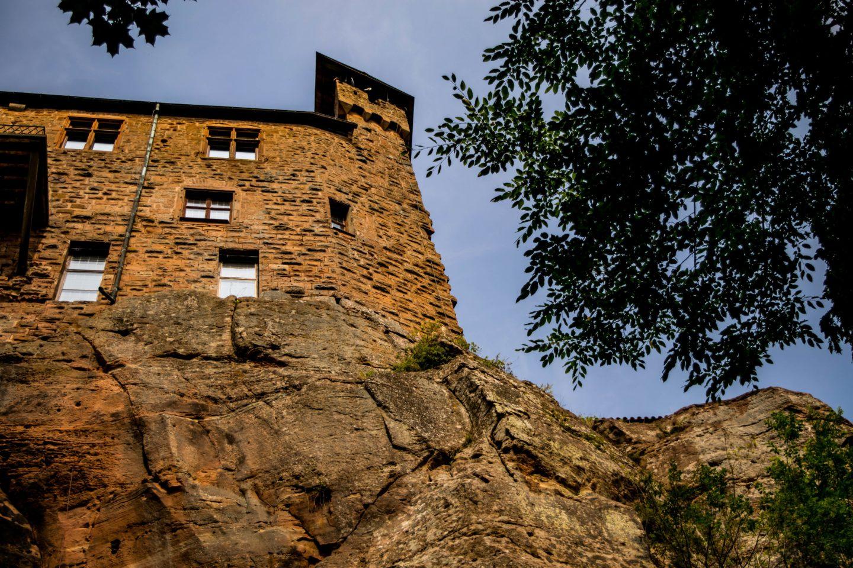 Burg Berwartstein towers cliffs