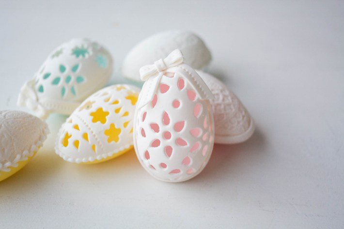 Make Your Own Delicate Eyelet And Lace Easter Eggs | Erin Gardner | Craftsy