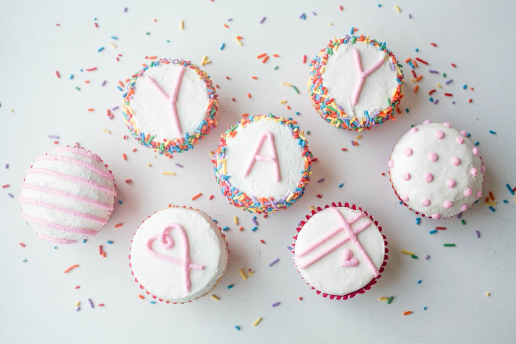 Flat Top Buttercream Cupcakes on Craftsy