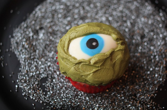 Creepy Chocolate Eyeball Tutorial | Erin Gardner
