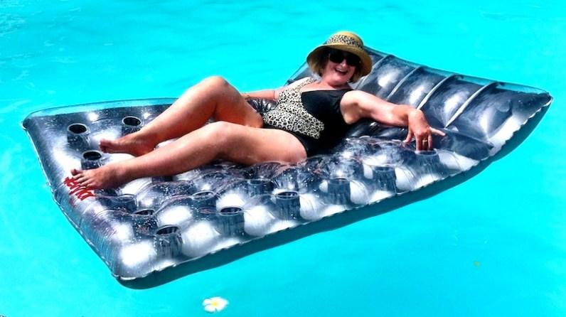 Jan, so elegant in her bathing attire